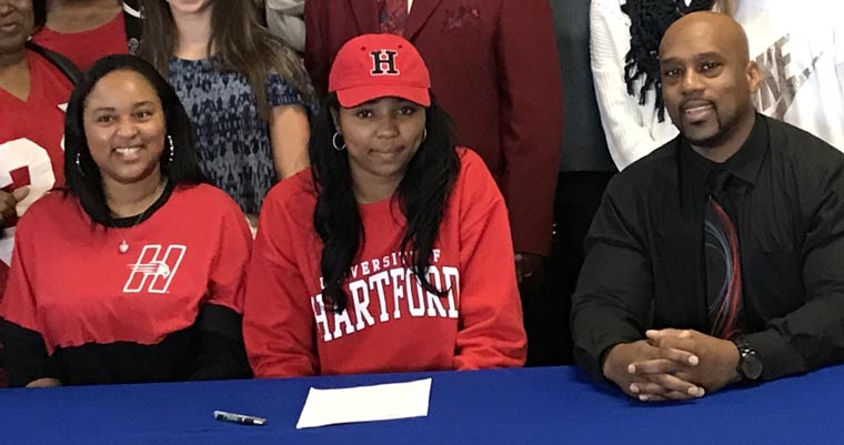 Grimes hoopster Wade signs with Division I Hartford