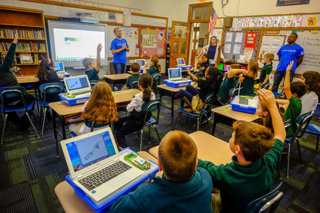STEM StJames 1018 1024x683 - Lockheed Martin engineers bring Lego WeDo to St. James School