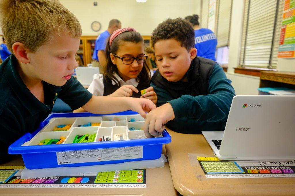 STEM StJames 1027 1024x683 - Lockheed Martin engineers bring Lego WeDo to St. James School