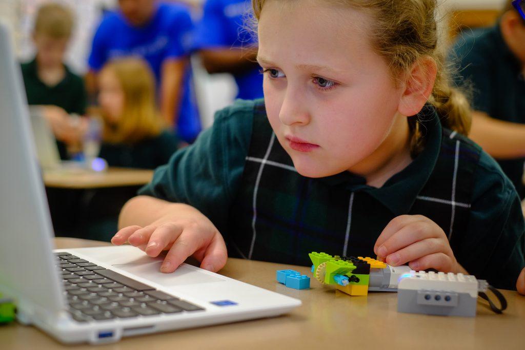 STEM StJames 1046 1024x683 - Lockheed Martin engineers bring Lego WeDo to St. James School