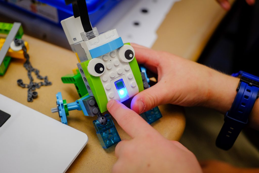 STEM StJames 1066 1024x683 - Lockheed Martin engineers bring Lego WeDo to St. James School