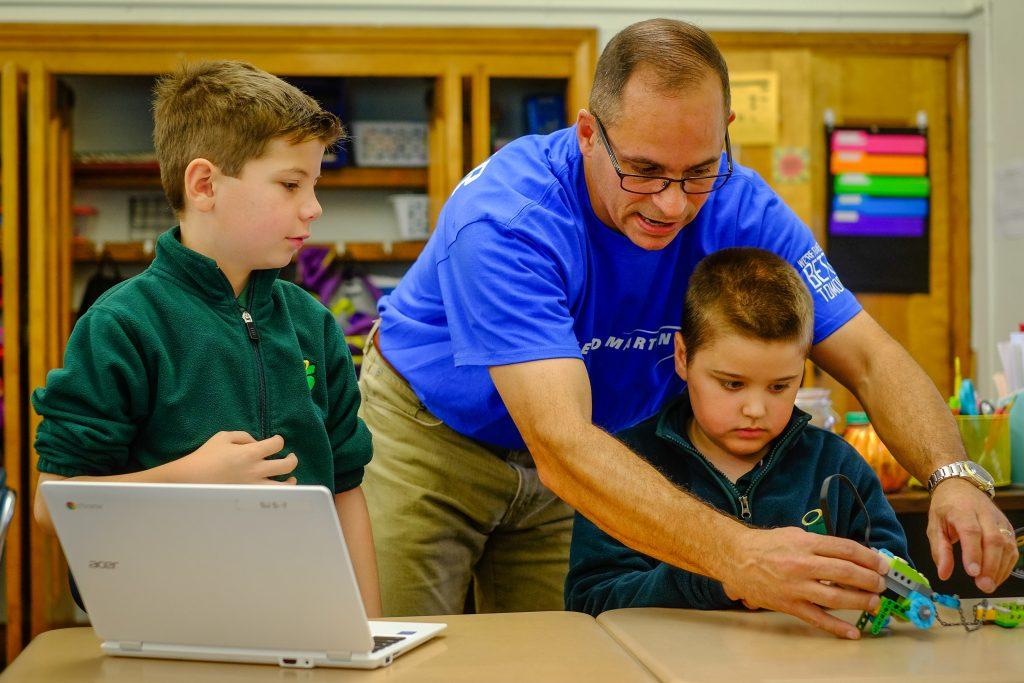 STEM StJames 1093 1024x683 - Lockheed Martin engineers bring Lego WeDo to St. James School
