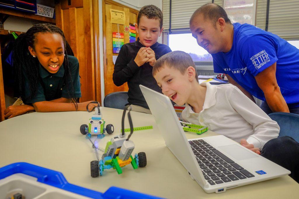 STEM StJames 1119 1024x683 - Lockheed Martin engineers bring Lego WeDo to St. James School