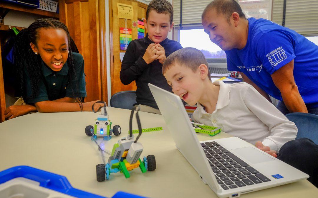 Lockheed Martin engineers bring Lego WeDo to St. James School