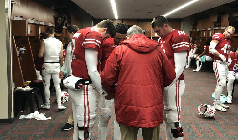 Chaplain says 40 years with bowl-bound Badgers 'a wonderful experience'