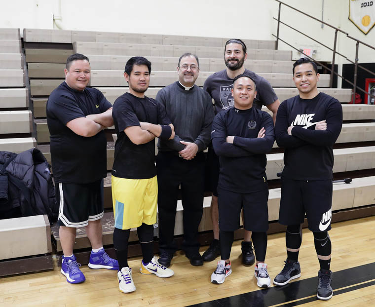 Basketball helps priests teach New Jersey students about vocations