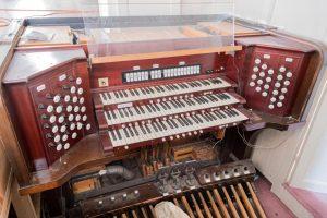 Skinner Organ Opus 669 console 300x200 - Skinner-Organ-Opus-669-console