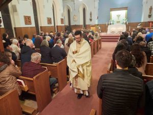 A3298398 300x225 - Faith families come together to celebrate Holy Thursday