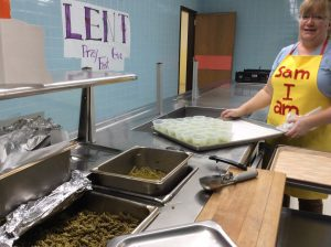 Lunch Green Pasta Green Beans Green Grapes 300x224 - Rome Catholic students 'Step Into Seuss'