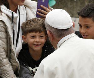 20180416T0837 16761 CNS POPE PARISH CHILDREN 2 300x251 - POPE PARISH VISIT