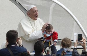 20180418T0847 16955 CNS POPE AUDIENCE NAME 2 300x194 - POPE GENERAL AUDIENCE