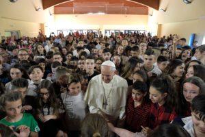 20180525T1349 17596 CNS POPE MERCY SCHOOL 300x200 300x200 - POPE MERCY FRIDAY VISIT