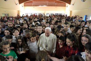 20180525T1349 17596 CNS POPE MERCY SCHOOL 800x533 300x200 - POPE MERCY FRIDAY VISIT