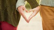 couple hand sign hands 41073 180x101 - couple-hand-sign-hands-41073-180x101