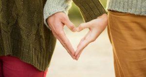 couple hand sign hands 41073 600x315 300x158 - couple-hand-sign-hands-41073-600x315