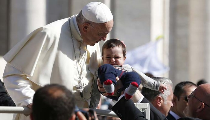 Gift of baptism is to be cherished, pope says at audience