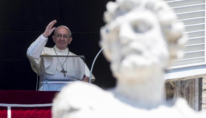 Pope asks people to value contributions refugees can make
