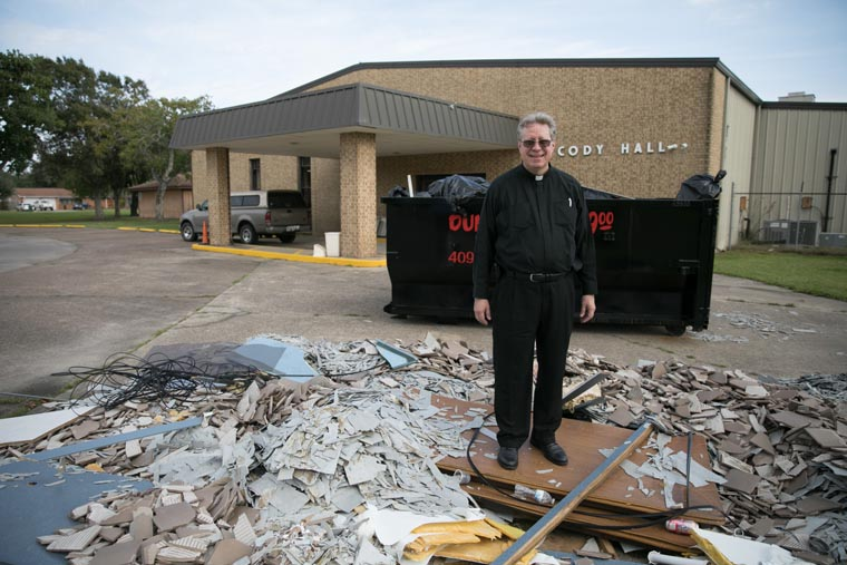 Parish returns to home church sanctuary a year after Hurricane Harvey