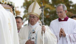 20180924T1045 20781 CNS POPE LATVIA 300x173 - PAPAL VISIT LATVIA