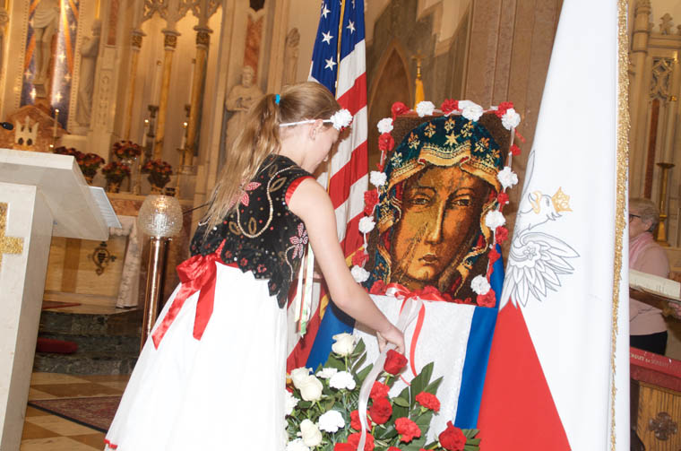 Basilica Mass honors 100th anniversary of  Poland's independence