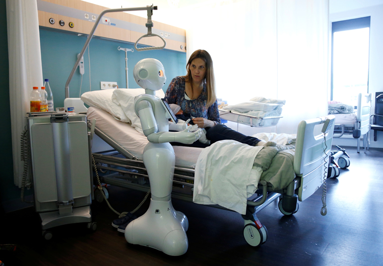 Robots and AI: Papal academy decodes newest pro-life challenges