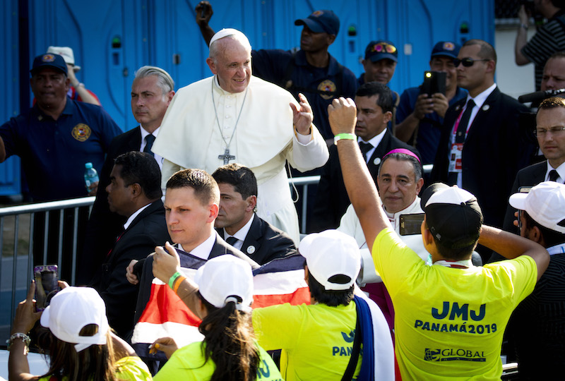 As World Youth Day closes, pope prompts volunteers to keep serving