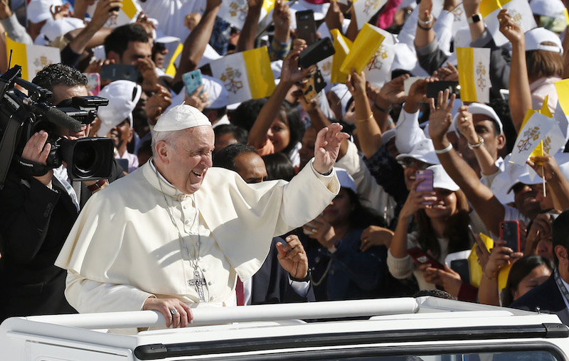 Witness to Christ with love, pope tells Catholics on Arabian Peninsula