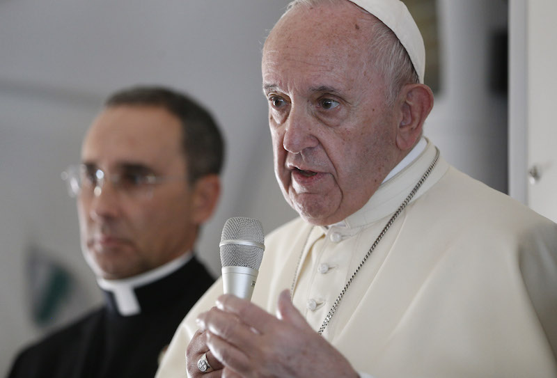 Pope, on flight, talks about dialogue, war, abuse of women religious