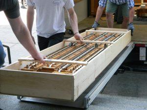 unloading 300x225 - unloading