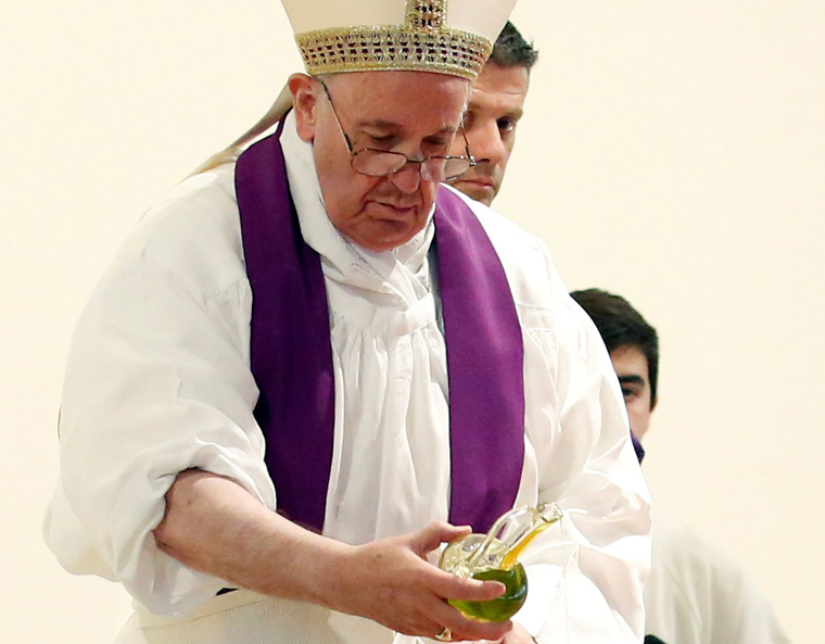 People can call Jesus at any moment; he is always there, pope says