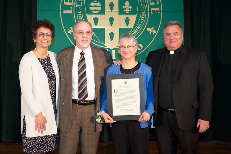 Sister Diane Zigo receives Le Moyne service award