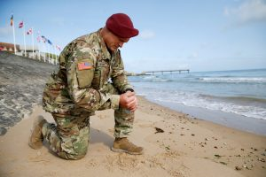 20190605T1154 27268 CNS D DAY BROGLIO REMEMBER 300x200 - U.S. SOLDIER NORMANDY BEACH