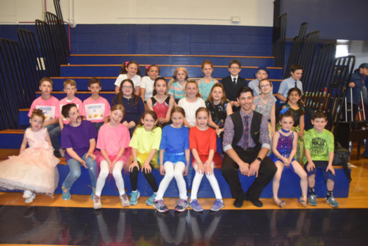 Annual 'Talent Showcase' lights up IC School