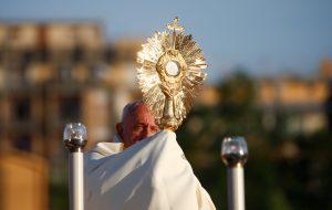 20190624T0526 118 CNS POPE CORPUS CHRISTI 300x190 - POPE CORPUS CHRISTI CELEBRATION