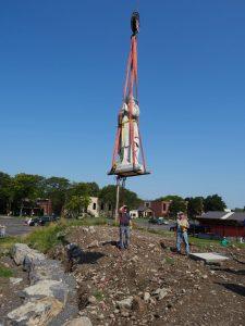 statue hovers near its platform 225x300 - OLYMPUS DIGITAL CAMERA
