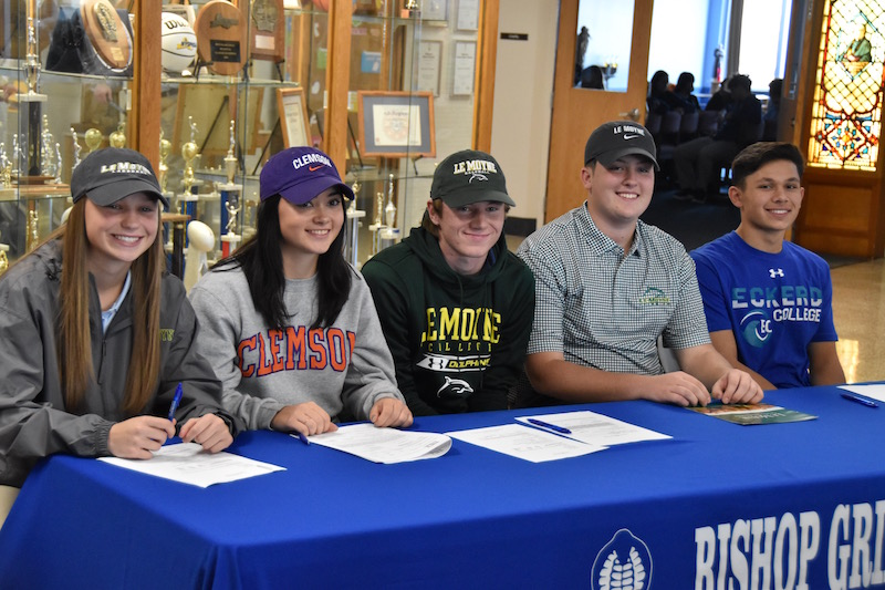 Grimes student-athletes sign for collegiate teams