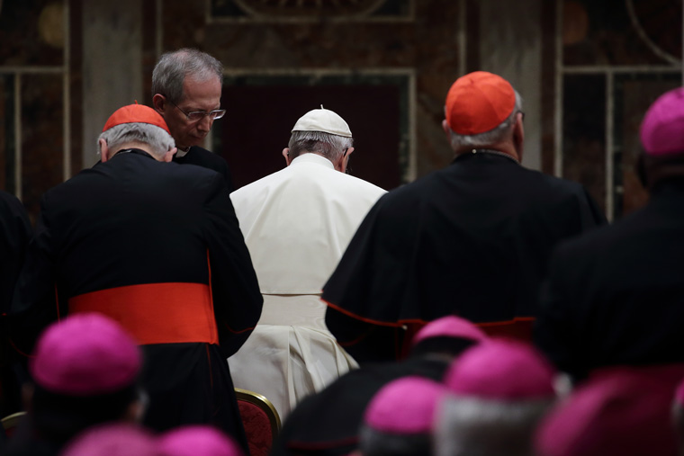 Pope lifts secrecy obligation for those who report having been abused