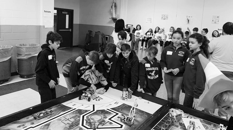 IC Eagles advance in robotics competition
