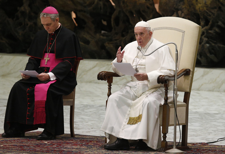 God's word can never be 'enchained,' pope says at audience
