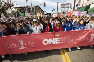 20200121T1116 33231 CNS LIFE LA WALK PRAY 300x200 - LIFE LOS ANGELES WALK PRAY