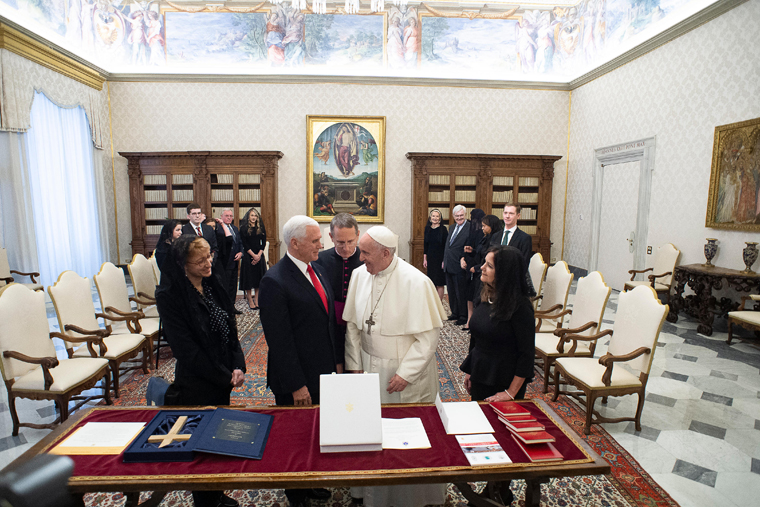 20200124T0845 33358 CNS POPE PENCE - Home