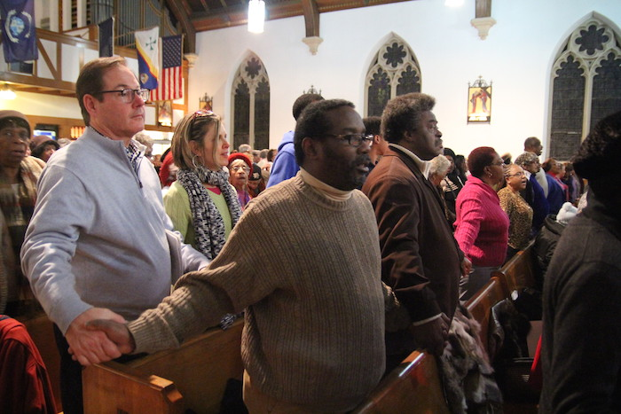 Some U.S. dioceses excuse Catholics from Sunday Mass, others cancel Masses