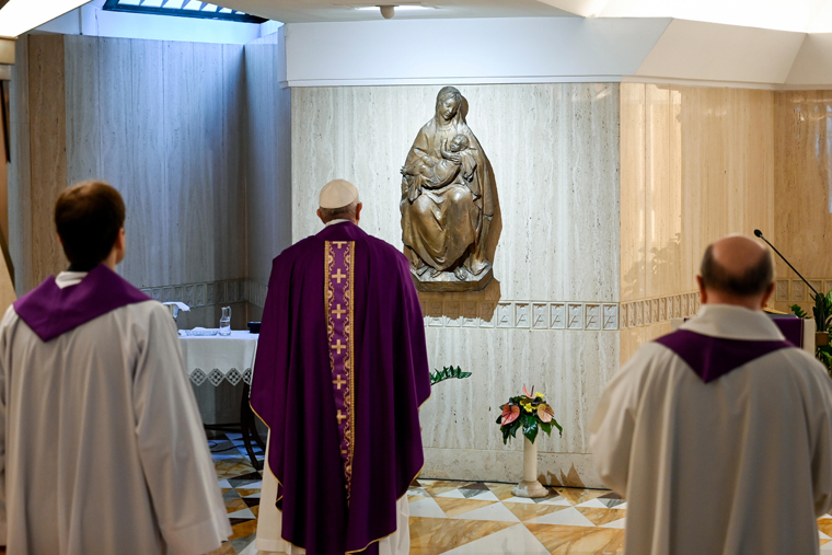 Pope prays family relationships thrive while stuck at home