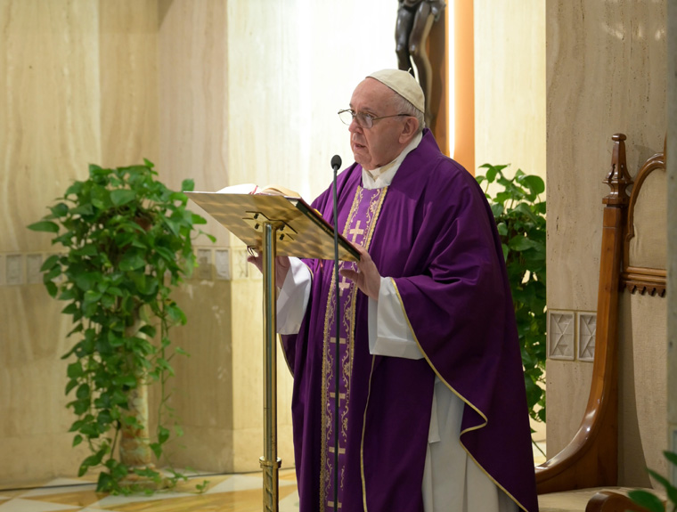 If you can't go to confession, take your sorrow directly to God, pope says