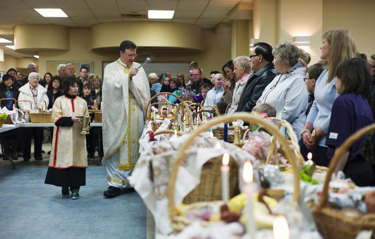 Vatican asks bishops to help faithful celebrate Holy Week, Easter at home