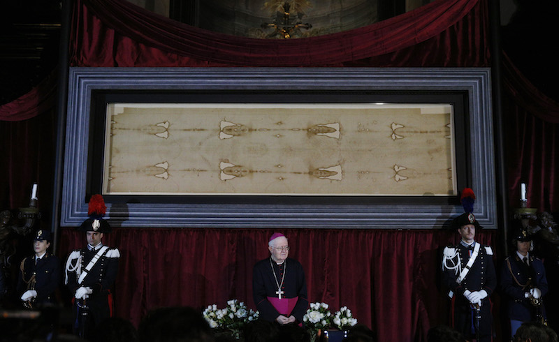 Archdiocese to livestream display Shroud of Turin on Holy Saturday