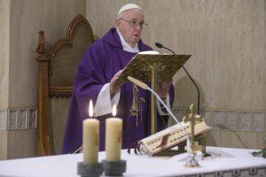 20200408T0810 1547 CNS POPE MASS JUDAS 300x200 - POPE MORNING MASS