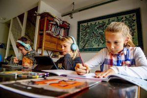 20200408T1039 1554 CNS VATICAN SCHOOLS COVID 19 300x200 - STUDENTS ONLINE CORONAVIRUS NETHERLANDS