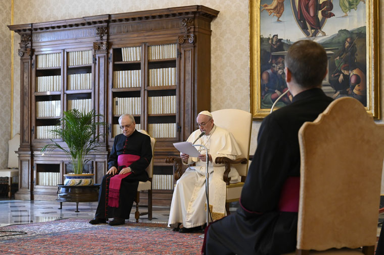Christ's peace is reflected in acts of love, reconciliation, pope says