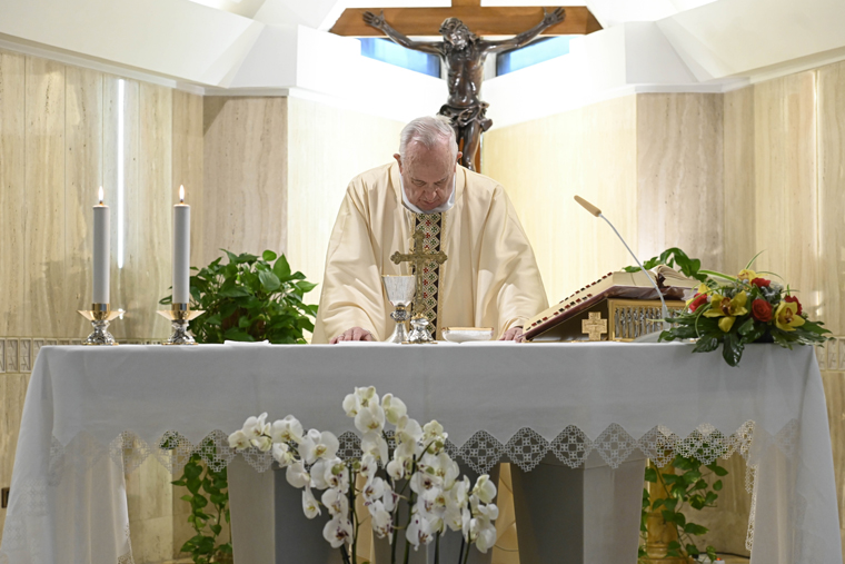 Pope prays for poor families and for the conversion of loan sharks